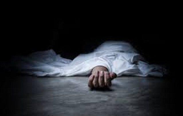 পান্থপথে অ্যাম্বুলেন্স চাপায় নারী নিহত