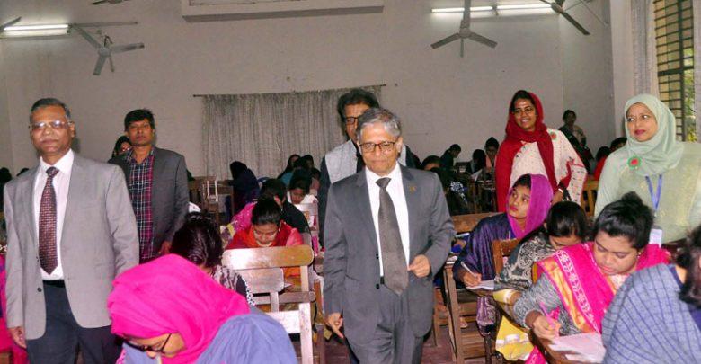 ঢাবি গার্হস্থ্য অর্থনীতি ইউনিটের স্নাতক ভর্তি পরীক্ষা অনুষ্ঠিত