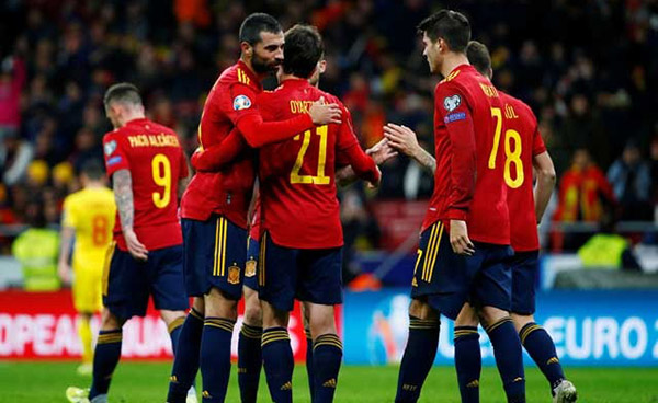 Photo of রোমানিয়ার বিপক্ষে ৫-০ গোলে জিতেছে স্পেন