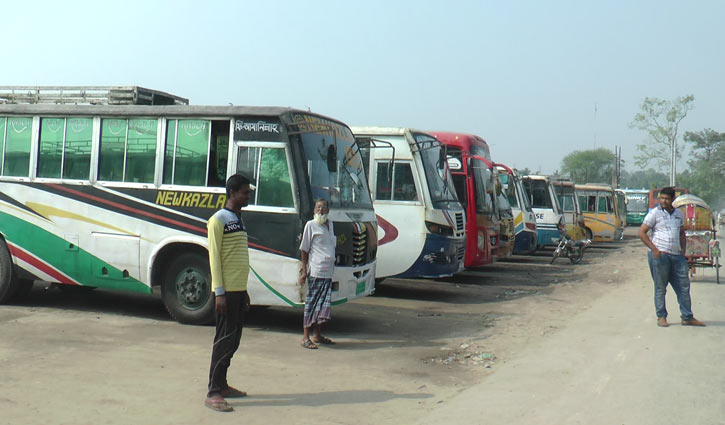 Photo of কয়েকটি জেলা রুটে আজও বাস চলাচল বন্ধ