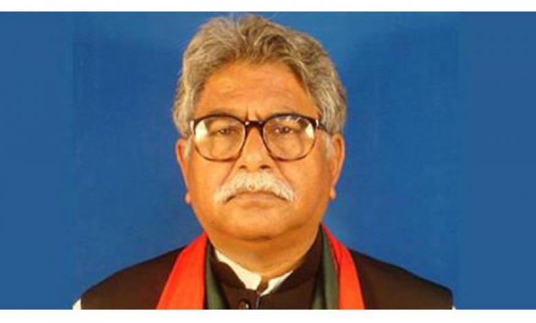 Photo of পারিবারিক কবরস্থানে সমাহিত হবেন মইন উদ্দীন খান
