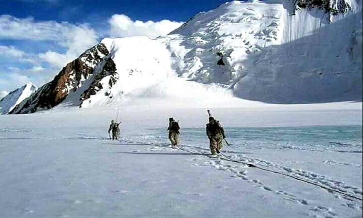 Photo of বরফে পিছলে পাকিস্তানে ভারতীয় সেনা!