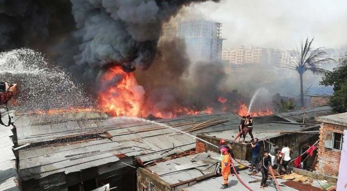 Photo of ৩ ঘন্টার চেষ্টায় 'রূপনগরের' আগুন নিয়ন্ত্রণে