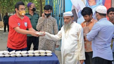 Photo of দৈনিক ৩শ দিনমজুরকে খাওয়াবে বাফুফে