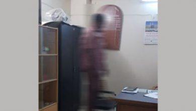 Photo of হত্যা না আত্মহত্যা : বরগুনায় ওসির রুম থেকে ঝুলন্ত লাশ উদ্ধার