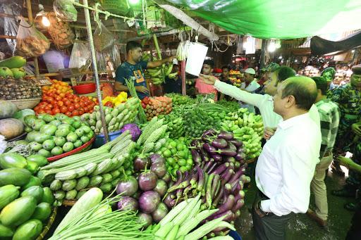 Photo of রমজানের প্রথম দিনে রাজধানীতে স্থিতিশীল সবজির দাম