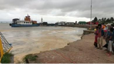 Photo of নদী গর্ভে বিলীন শিমুলিয়া৪ নম্বর ফেরি ঘাটের বেশকিছু এলাকা