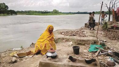 Photo of কমছে বন্যার পানি, ভয়াবহ রূপ নিচ্ছে ভাঙন